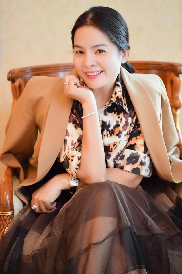 Nữ doanh nhân Hoàng Tú