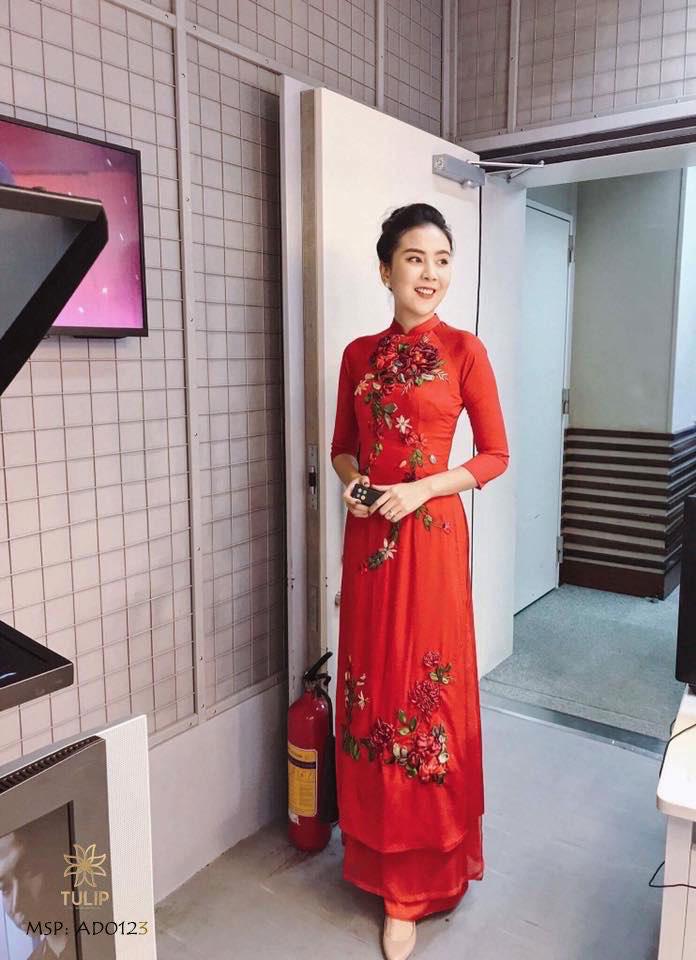 """""""Phù thủy make-up"""" Dũng Nguyễn tặng áo dài thêu tay cho Mottainai 2019 - Ảnh 5."""