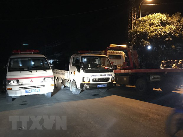 Ưu tiên cứu chữa các nạn nhân trong vụ tai nạn giao thông ở Phú Yên - Ảnh 1.