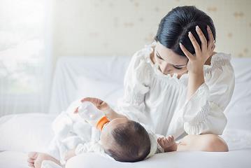 Cuộc sống sau sinh và 5 thay đổi lớn mà mẹ bỉm nào cũng phải trải qua - Ảnh 1.