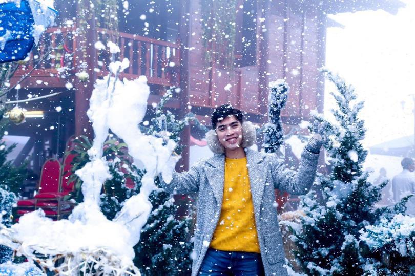 """Khám phá lễ hội mùa đông độc đáo trên """"nóc nhà Đông Dương"""" - Ảnh 2."""