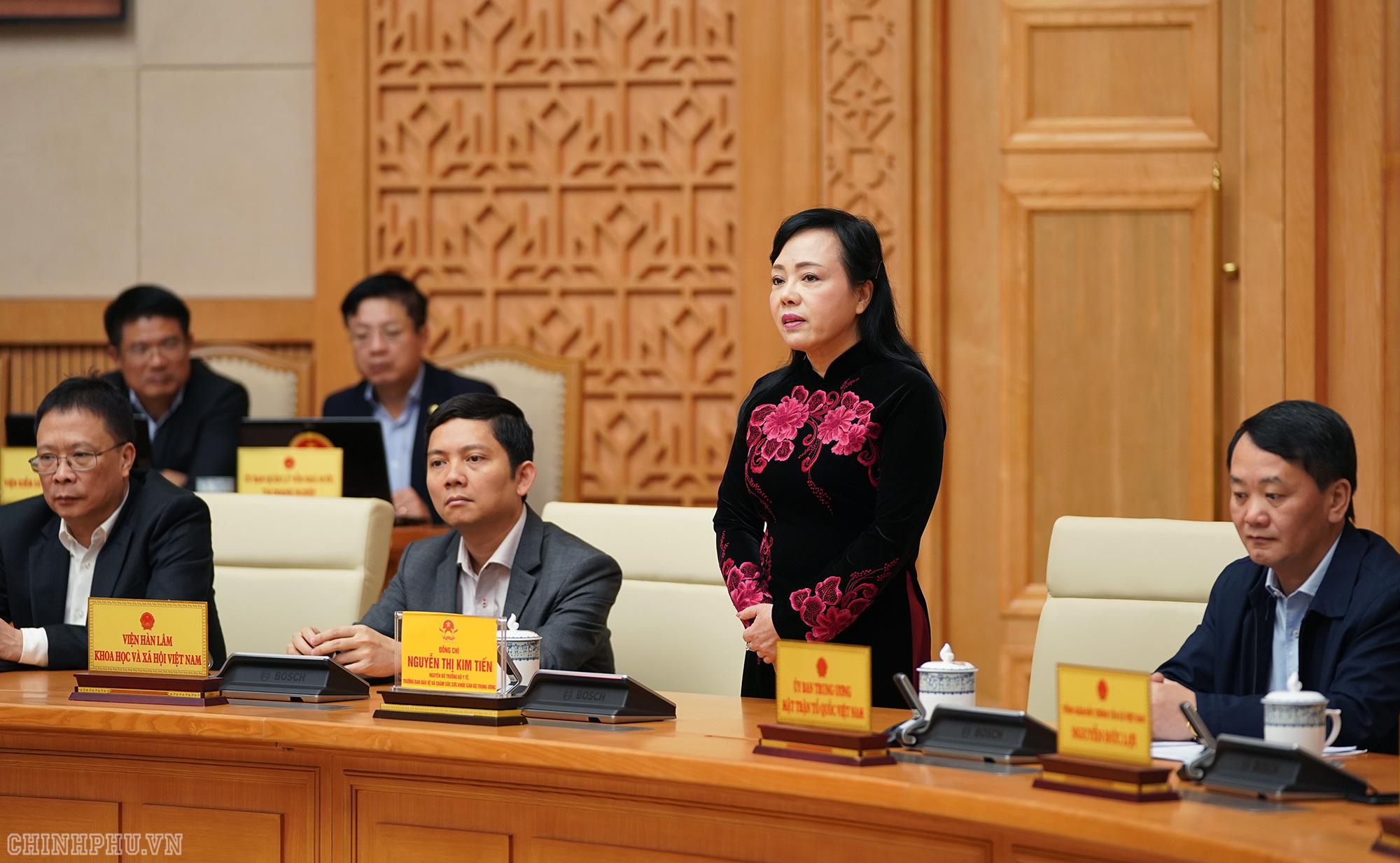 Thủ tướng: Nguyên Bộ trưởng Y tế có nhiều đóng góp cho ngành - Ảnh 2.