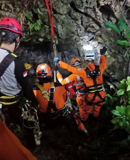 3 sinh viên tử vong trong hang ở Indonesia vì mưa lũ - Ảnh 1.