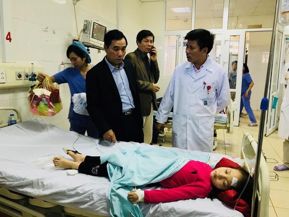 Vụ nhiều học sinh mầm non nhập viện ở Thanh Hóa: Tạm dừng bếp ăn để rà soát an toàn thực phẩm - Ảnh 2.