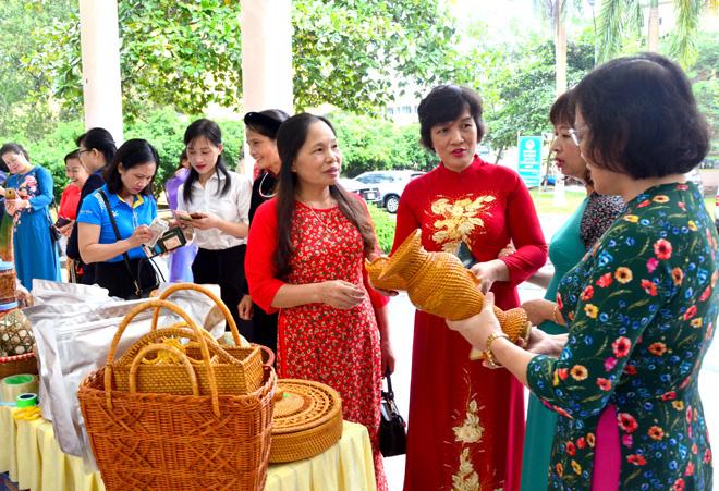 Hội LHPN tỉnh Tuyên Quang hỗ trợ 85 hội viên phụ nữ khởi sự kinh doanh và khởi nghiệp