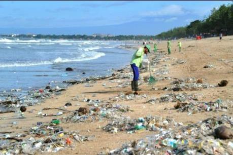 Phấn đấu 100% các khu du lịch biển không sử dụng sản phẩm nhựa dùng 1 lần - Ảnh 1.