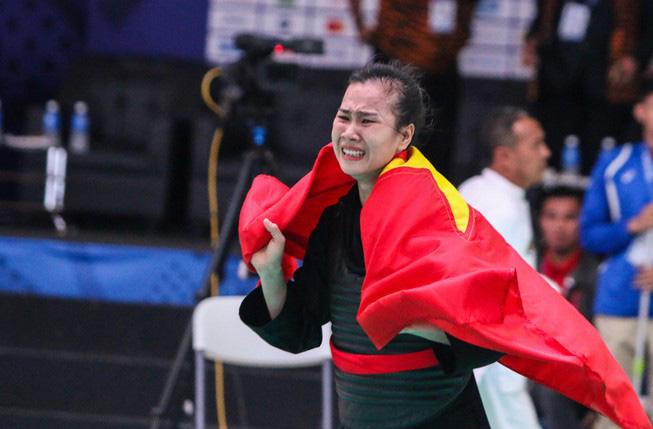 SEA Games 30: VĐV Trần Thị Thêm giành Huy chương Vàng pencak silat - Ảnh 1.