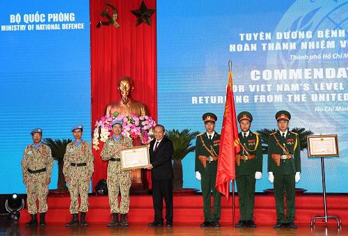 Tuyên dương 63 sĩ quan quân đội tham gia phái bộ LHQ - Ảnh 1.