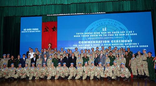Tuyên dương 63 sĩ quan quân đội tham gia phái bộ LHQ - Ảnh 2.