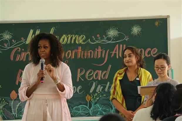 Long An: Cựu đệ nhất phu nhân Michelle Obama thăm THPT Cần Giuộc - Ảnh 2.