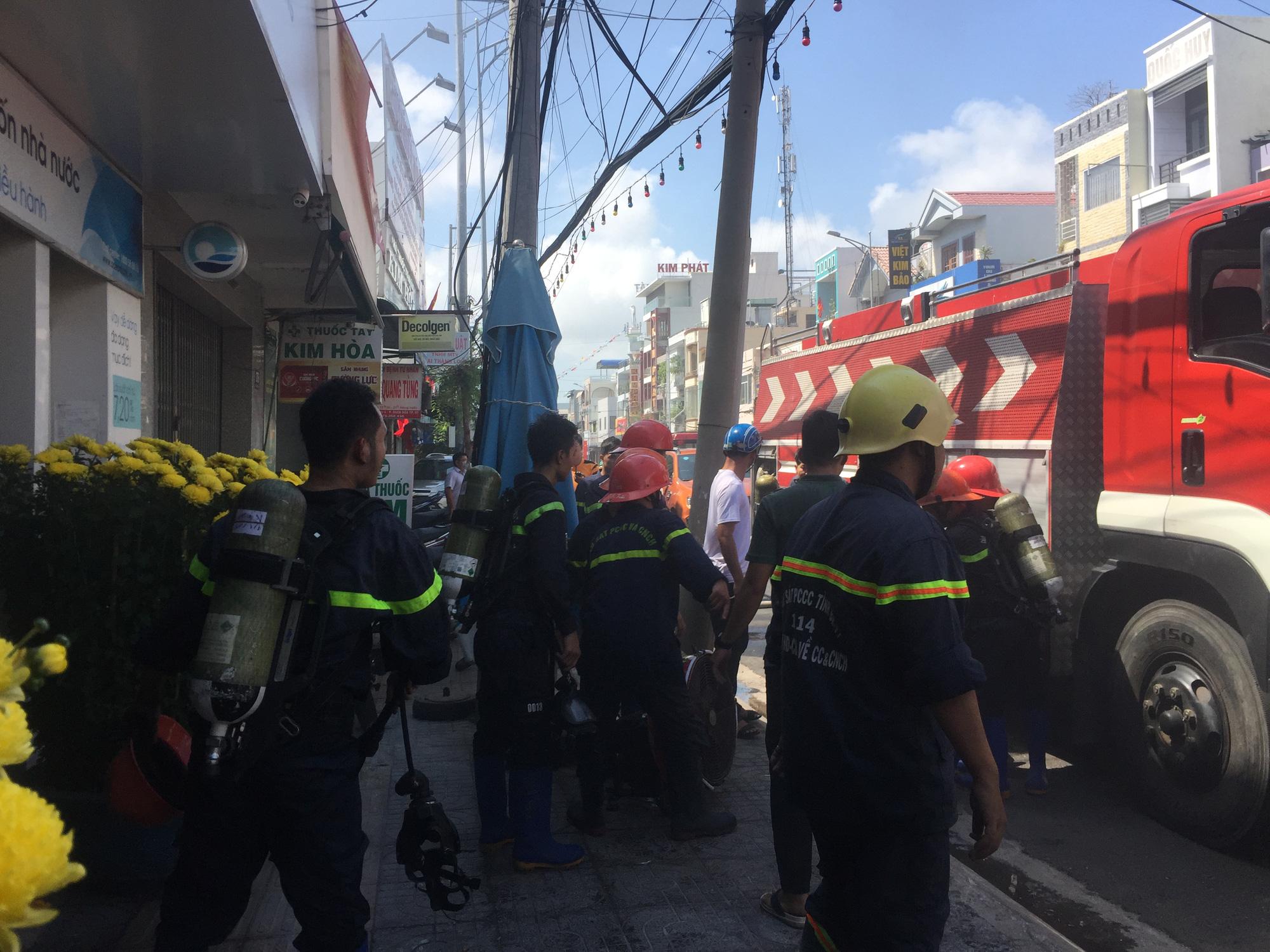 TP Vũng Tàu: Cháy tại chi nhánh ngân hàng Ocean Bank trưa mùng 3 Tết - Ảnh 3.