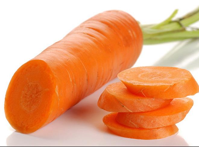 Làm dầu xả cà rốt và nước cốt dừa ngăn ngừa tóc rụng - Ảnh 2.