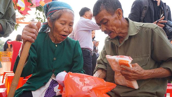 Hà Tĩnh: Giúp người nghèo đón tết được an vui, đầm ấm - Ảnh 2.