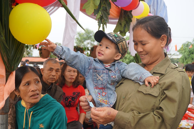 Hà Tĩnh: Giúp người nghèo đón tết được an vui, đầm ấm - Ảnh 1.