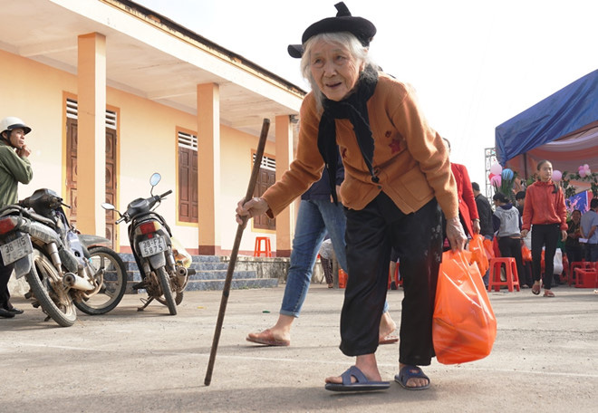 Hà Tĩnh: Giúp người nghèo đón tết được an vui, đầm ấm - Ảnh 3.
