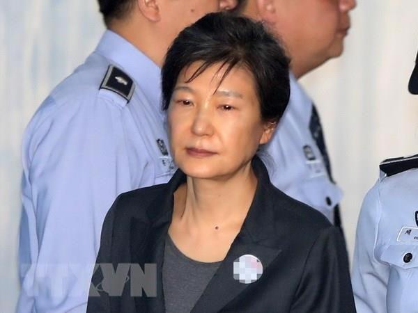 Phiên tòa xét xử lại bà Park Geun-hye kết thúc chỉ sau 5 phút - Ảnh 1.