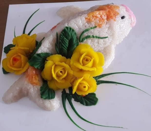 Cá chép xôi và hoa đậu có giá 150.000 đồng/ổ