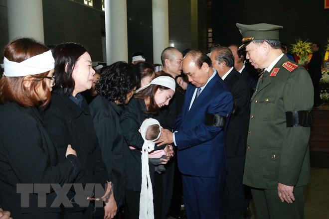 Tổ chức trọng thể Lễ tang 3 liệt sỹ hy sinh tại Đồng Tâm - Ảnh 3.