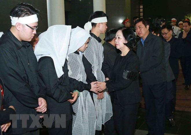 Tổ chức trọng thể Lễ tang 3 liệt sỹ hy sinh tại Đồng Tâm - Ảnh 4.