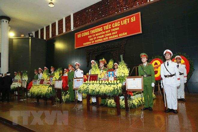 Tổ chức trọng thể Lễ tang 3 liệt sỹ hy sinh tại Đồng Tâm - Ảnh 1.