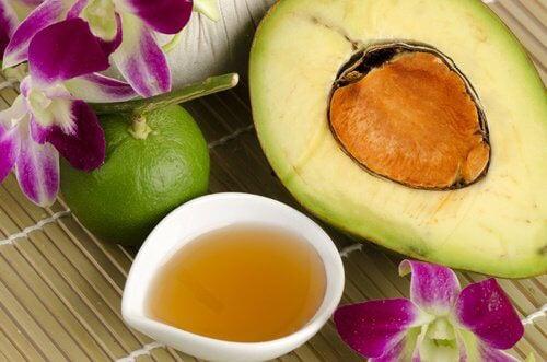 Top 5 thực phẩm chăm sóc làn da, tóc và móng tay khỏe đẹp mùa lạnh - Ảnh 2.