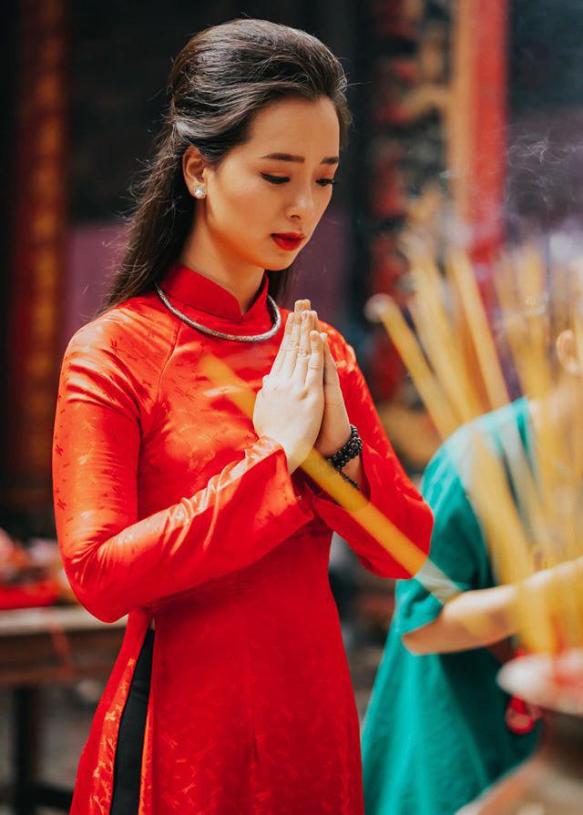 Dàn mỹ nhân Miss Photo diện áo dài đỏ rực đón Tết Canh Tý - Ảnh 8.