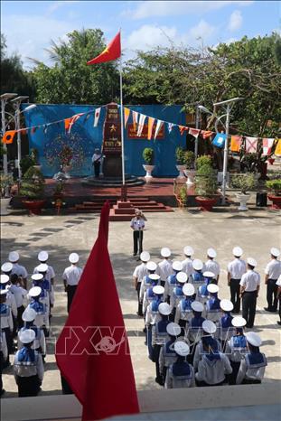 Linh thiêng lễ chào cờ sáng mùng 1 Tết tại quần đảo Trường Sa - Ảnh 2.