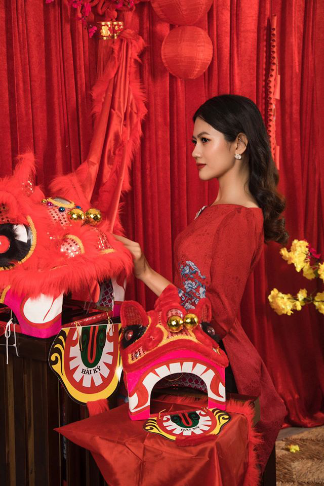 Dàn mỹ nhân Miss Photo diện áo dài đỏ rực đón Tết Canh Tý - Ảnh 2.