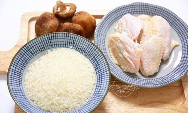"""Đổ cả gà lẫn gạo vào nồi cơm điện, sáng ra có món ngon """"thần thánh"""", cả nhà tấm tắc - Ảnh 2."""