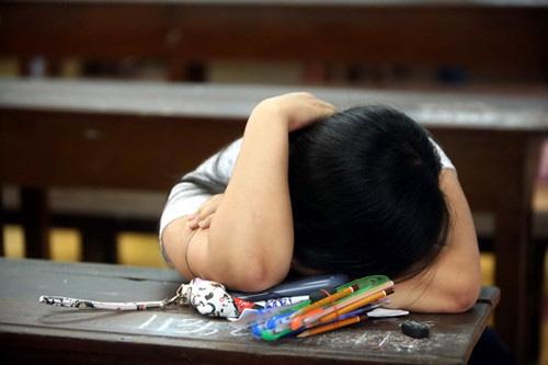 Con từng suy sụp vì ngồi nhầm lớp. Ảnh minh họa