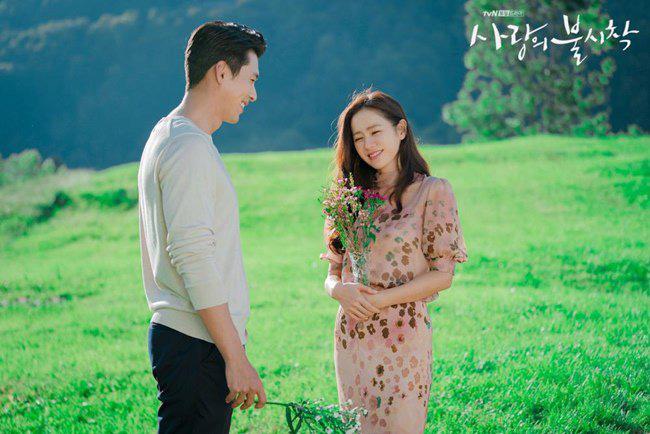 """Kết """"Hạ Cánh Nơi Anh"""" chưa được tiết lộ: Son Ye Jin lộ bụng bầu sắp sinh với Hyun Bin - Ảnh 10."""