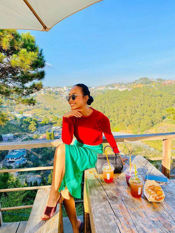 Học Đoan Trang diện váy lụa màu sắc, chị em sẽ luôn ngọt ngào và bay bổng - Ảnh 7.