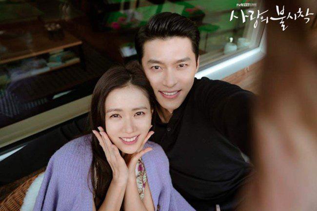 """Kết """"Hạ Cánh Nơi Anh"""" chưa được tiết lộ: Son Ye Jin lộ bụng bầu sắp sinh với Hyun Bin - Ảnh 5."""