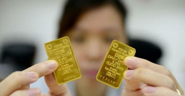 Bạn cũng cần lưu ý số serie của sản phẩm vàng