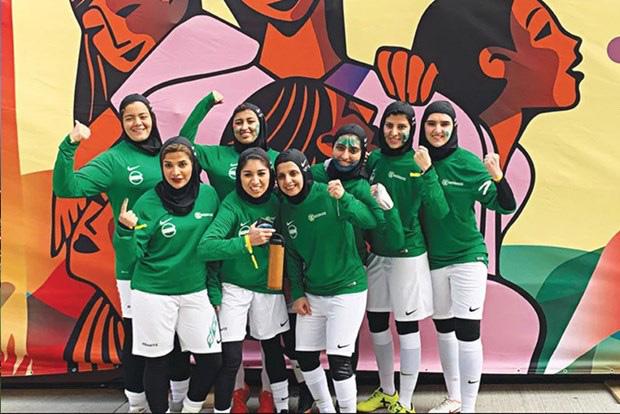 Saudi Arabia lần đầu tiên tổ chức giải vô địch bóng đá nữ quốc gia - Ảnh 1.