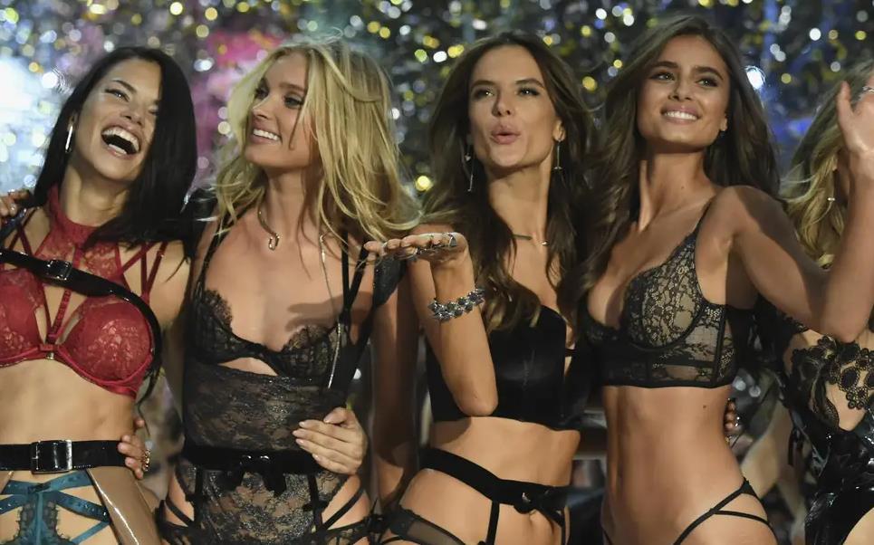 Người mẫu Victoria's Secret ký thư ngỏ đề nghị chấm dứt quấy rối và lạm dụng - Ảnh 1.