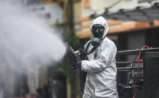 Thêm ca thứ 34, 12 tỉnh thành ở Việt Nam có người nhiễm Covid-19 - Ảnh 1.