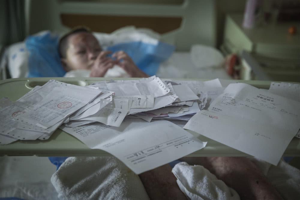 Chồng bỏ điều trị để nhường sự sống cho vợ và hai con sau vụ hỏa hoạn kinh hoàng - Ảnh 4.