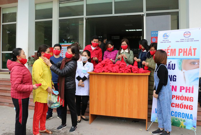 """Hội LHPN tỉnh Bắc Giang triển khai chủ đề """"90 hành động thiết thực vì phụ nữ và trẻ em"""" năm 2020 - Ảnh 1."""