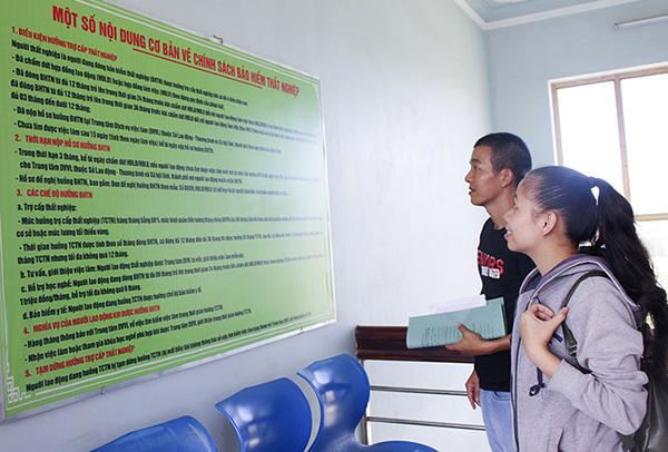 Hà Nội: Gần 7.000 người nộp hồ sơ đề nghị hưởng trợ cấp thất nghiệp - Ảnh 1.