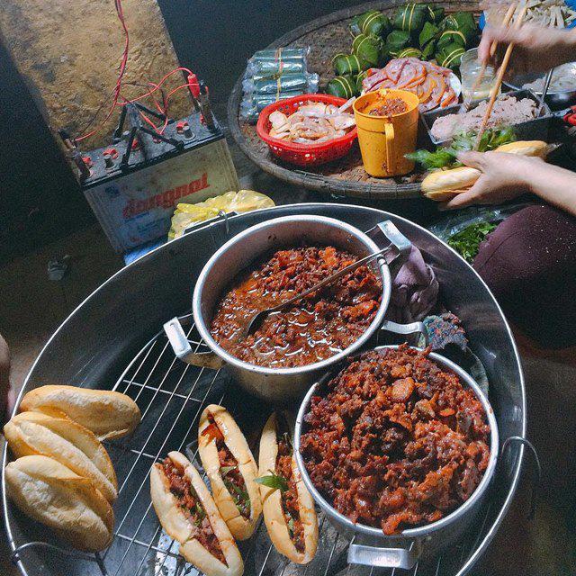 Bánh mì Việt Nam: Từ món ăn đường phố đến đặc sản được Google vinh danh - Ảnh 8.