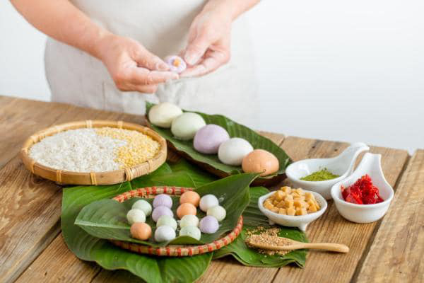 Tết Hàn thực sôi động với đủ loại bánh trôi bánh chay - Ảnh 1.