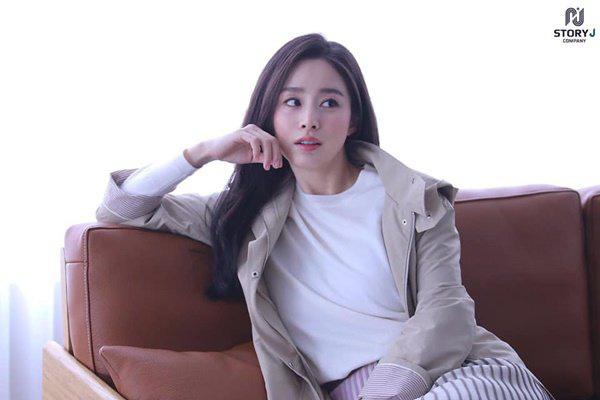 """Sau khi lấy chồng, thay đổi lớn nhất của Kim Tae Hee là trở thành người đàn bà """"lắm lời"""" - Ảnh 6."""