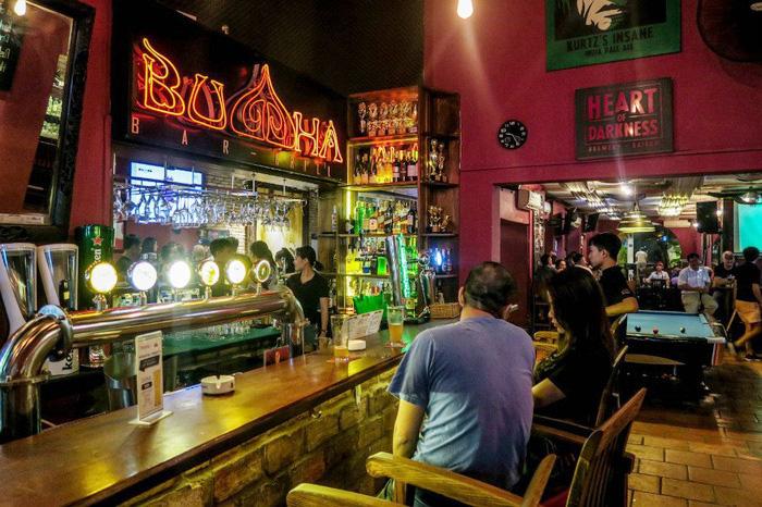 """TPHCM: 31 người đến """"ổ dịch"""" quán bar Buddha đang chờ kết quả xét nghiệm - Ảnh 1."""