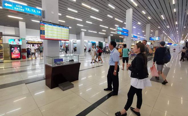Cô gái trốn cách ly ra sân bay Nội Bài bị phạt 10 triệu đồng - Ảnh 1.