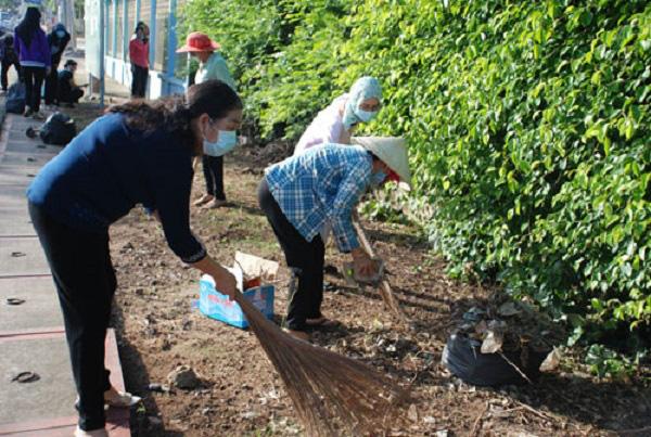 Hội LHPN Bình Dương: Lan tỏa tinh thần xây dựng nông thôn mới gắn với '5 không 3 sạch' - Ảnh 1.