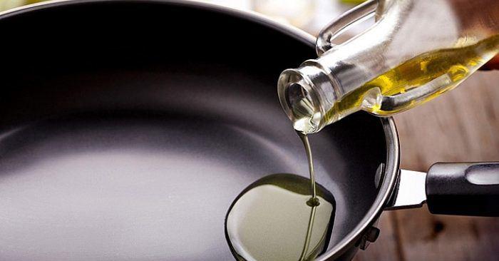 Xào thịt bò nên để dầu nóng hay lạnh, nhiều người làm sai bảo sao thịt dai lại dính chảo - Ảnh 2.