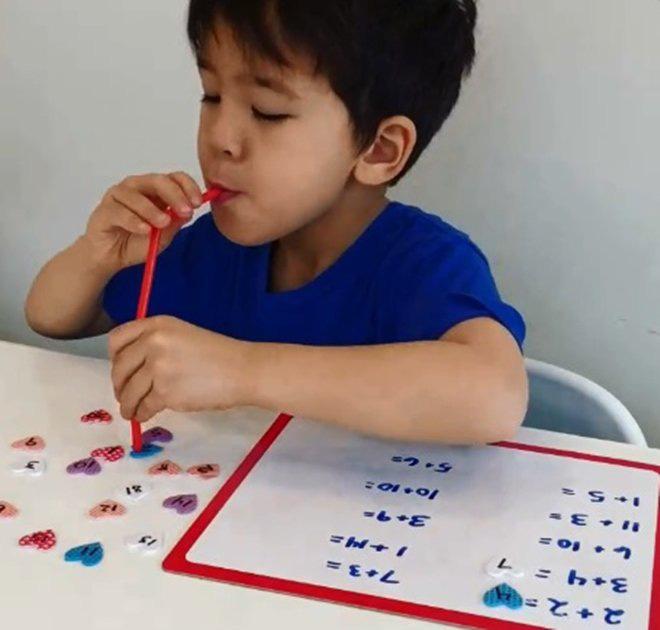 5 trò chơi trong nhà nhiều trẻ thích mê mà rất dễ thực hiện - Ảnh 5.