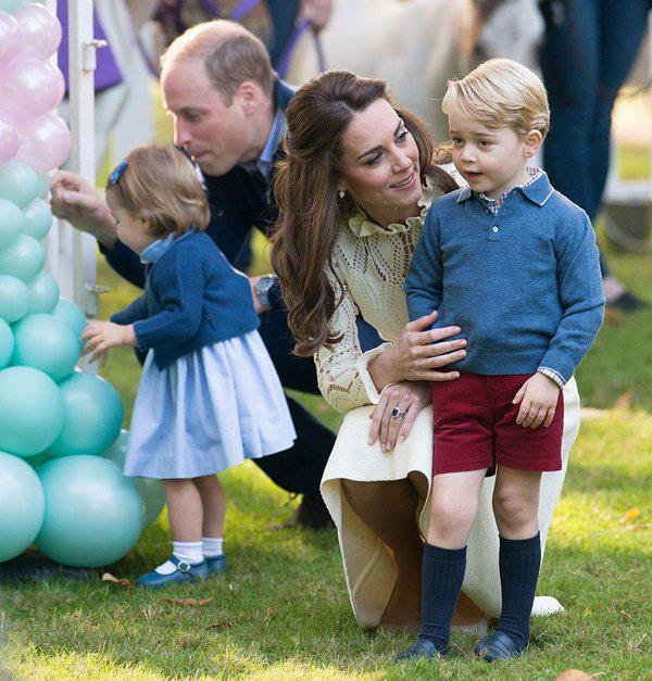 Cái chạm tay vào đầu con của Kate Middleton, tưởng vô tình nhưng lại mang ý nghĩa sâu xa - Ảnh 6.