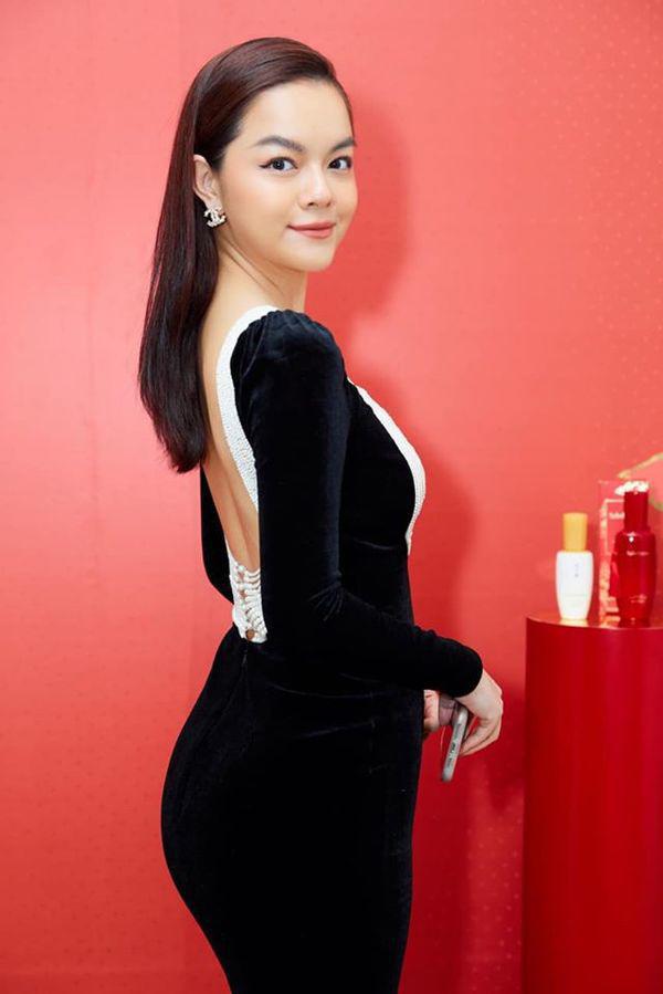 Than thở chuyện vóc dáng đẫy đà nhưng Phạm Quỳnh Anh vẫn diện váy ôm sát đẹp xuất sắc - Ảnh 9.